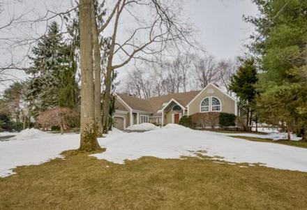 6 Westview Drive, Purchase