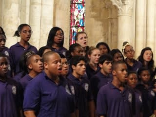 New Rochelle High School's Concert Chorale will perform at Alvin & Friends on Sunday, March 23.
