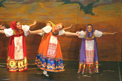 """A scene from """"Rossijanochka,"""" which is coming to the Ridgefield Playhouse."""