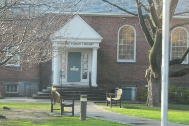 The Friends of the Pelham Public Library are looking for volunteers to host a dinner on the night of their Novel Night fundraiser.