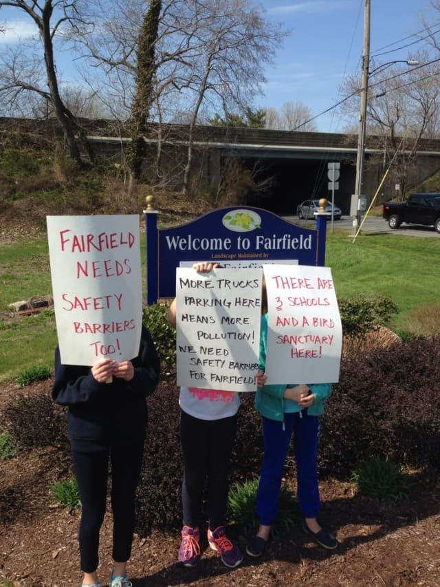 """The group will be meeting at the Welcome to Fairfield sign at the Northbound side of Exit 22 on Round Hill Road from 10 to 11:30 a.m. and encourages those wishing to participate to wear """"green for safety"""" and to bring signs."""
