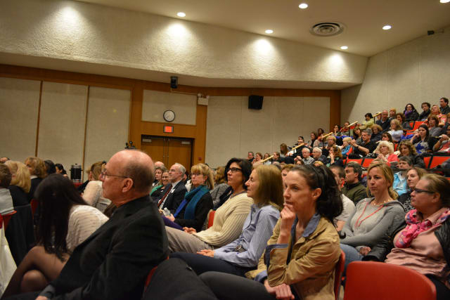 A large crowd turns out at the Chappaqua Library for a forum focusing on the heroin and opioids epidemic.