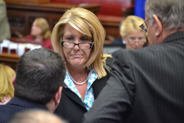 Fairfield State Rep. Brenda Kupchick is supporting a bill providing civil and criminal immunity to those administering opiate antagonist prescription drugs such as Narcan.