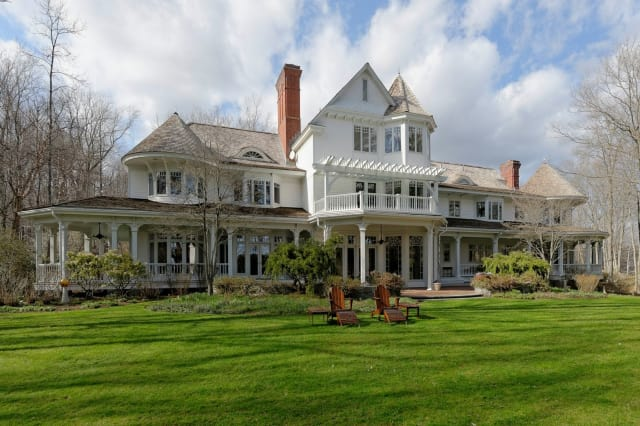 Filmmaker Ron Howard put his Greenwich home on the market for $27.5 million.