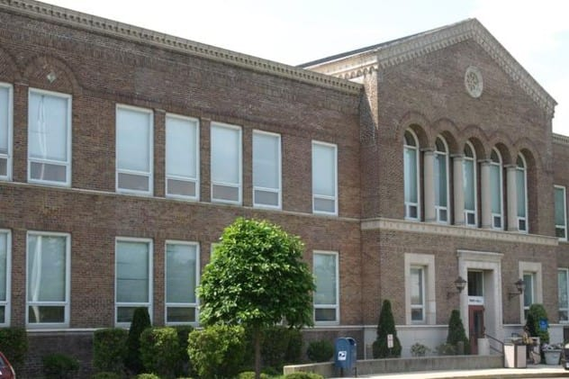 Darien's Representative Town Meeting approved a $133 million budget for the 2014-15 fiscal year at its meeting Monday night.