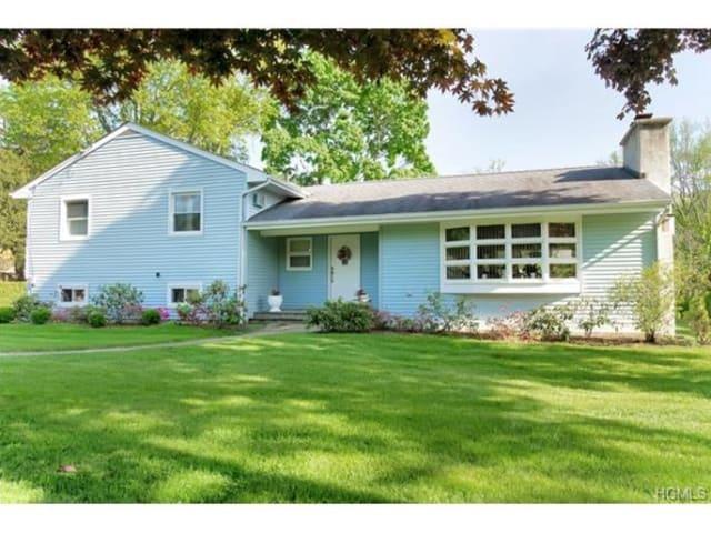 192 Nanny Hagen Road, Thornwood