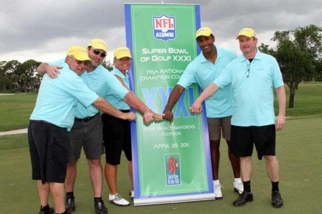 NFL Alumni will play a golf tournament in Darien to raise money for a Norwalk-based charity.