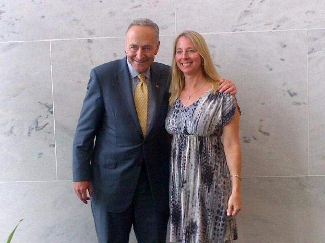 U.S. Senator Chuck Schumer (D-NY) congratulates Jefferson award winner Lisa Bardill Moscaritolo from Pace University.