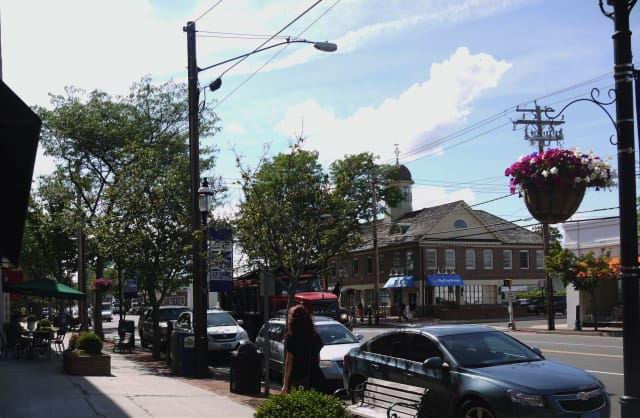 Fairfield residents have the opportunity to vote for their town as the Fan-Favorite town for the state of Connecticut.