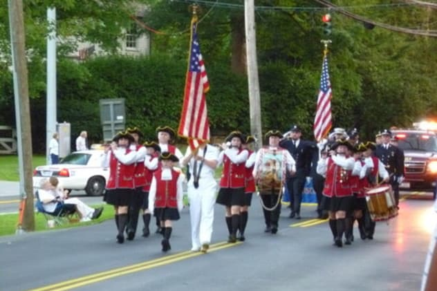 Mount Kisco Ancient Fife and Drum Corps marching.