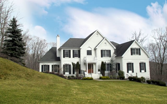9 Red Oak Lane, Cortlandt Manor