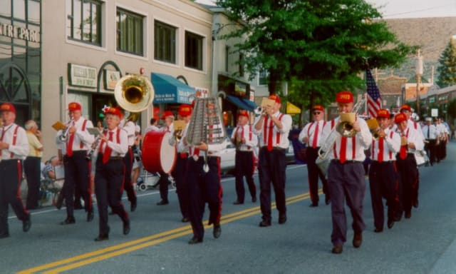 The Sound Beach Community Band will perform Sunday.