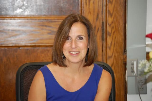 The Hastings-on-Hudson Board of Education has named Rochelle Mitlak as the new director of curriculum and instruction.