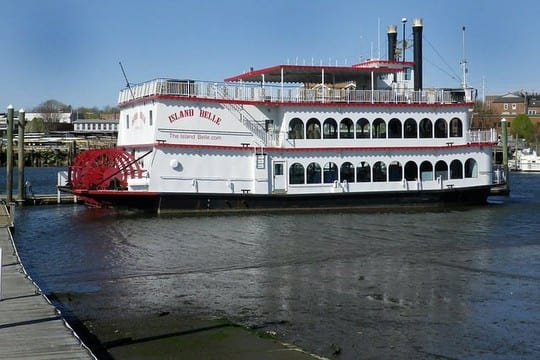 Police said a fight broke out between hundreds of passengers of the Island Belle after the boat docked in Norwalk Saturday morning.