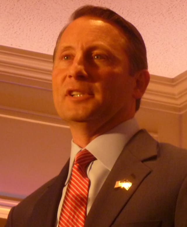 "Rob Astorino submitted the required signatures to have ""Stop Common Core"" on the November ballot."