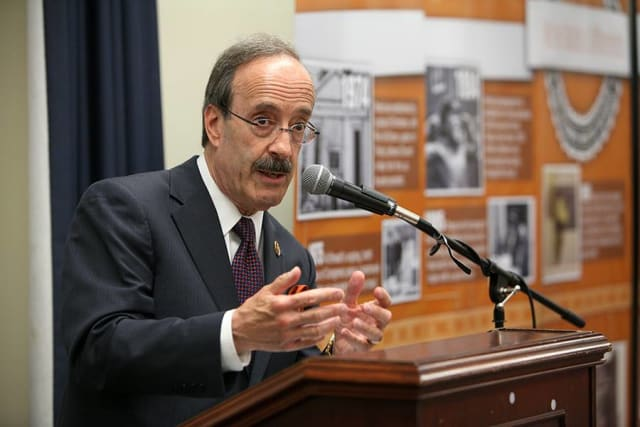 U.S. Representative Eliot Engel is scheduled to visit the Scarsdale Democratic Club for a fundraiser on Sunday, Sept. 7.