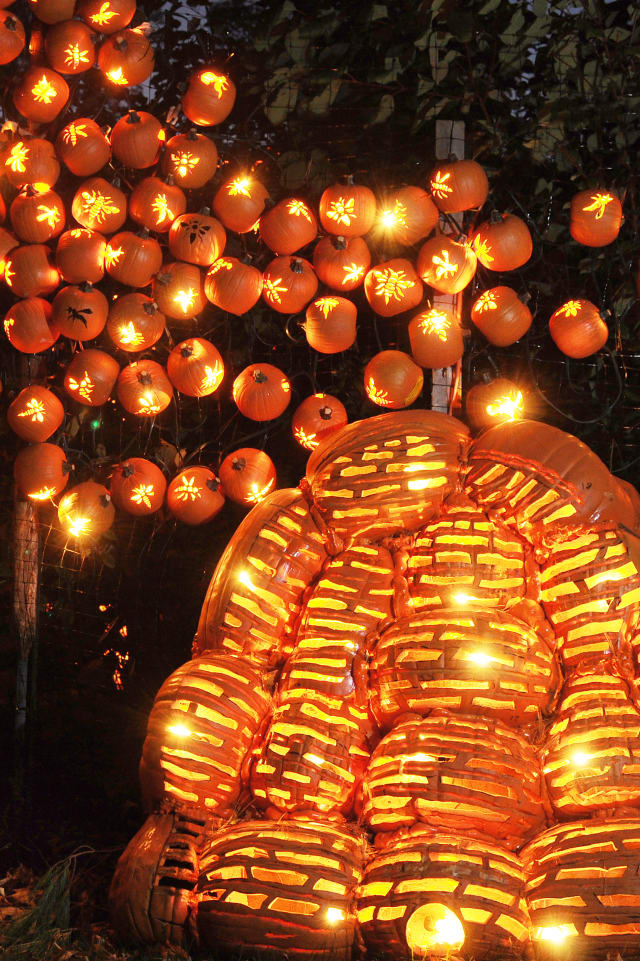 "Historic Hudson Valley plans to host two more weekends of ""The Great Jack O'Lantern Blaze"" at Van Cortlandt Manor."