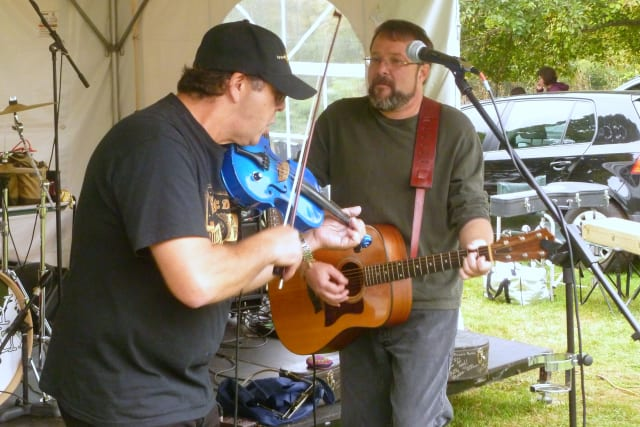 Chip Andrus, right, and Vince Castellucci will kick off the Lewisboro Library's Folk Concert Series this weekend.