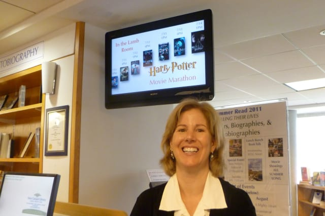 New Canaan Library Executive Director Alice Knapp is leaving after four years to take a job at Stamford's Ferguson Library.