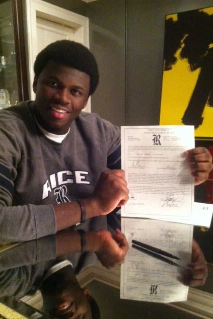 Basketball standout Sean Obi, a resident of Greenwich who plays at Greens Farms Academy in Westport, committed to play the sport at Rice University.