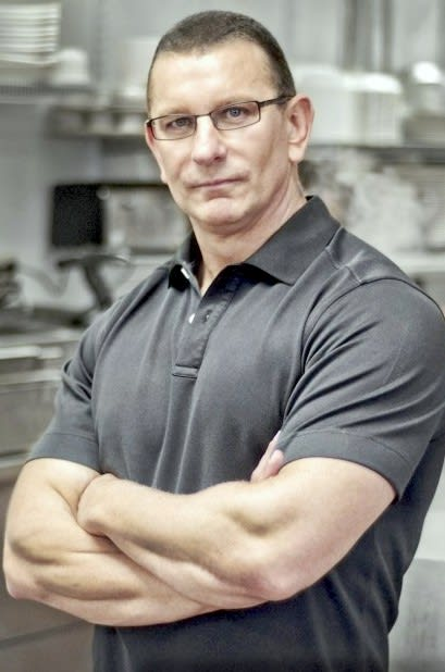 Chef Robert Irvine brings his live show to the Ridgefield Playhouse on Sunday.