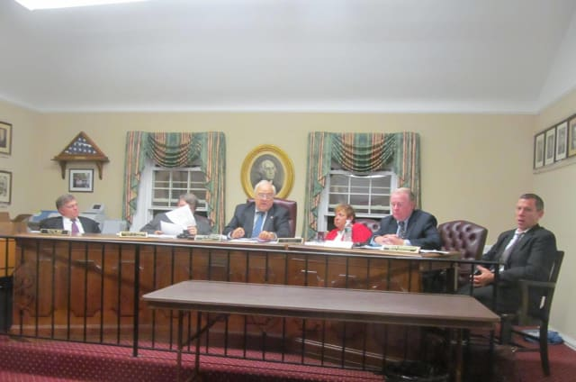 The Pelham Town Board will hold a public hearing on the 2013 town budget Monday.