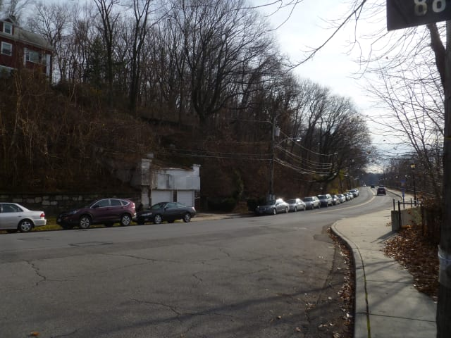 Neighbors are calling for signs or lights to be installed near this hill on Warburton Avebue, near the Yonkers/Hastings-on-Hudson border to warn drivers to slow down.