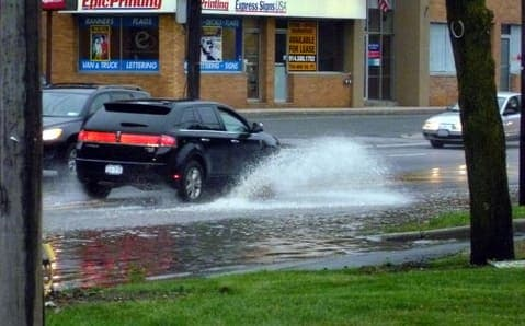 Heavy rain caused flooding on the Saw Mill River Parkway and the Bronx River Parkway, according to NYSDOT.