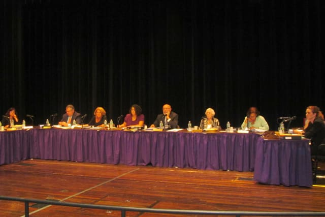 The deadline to be on the New Rochelle school's budget committee is Friday.