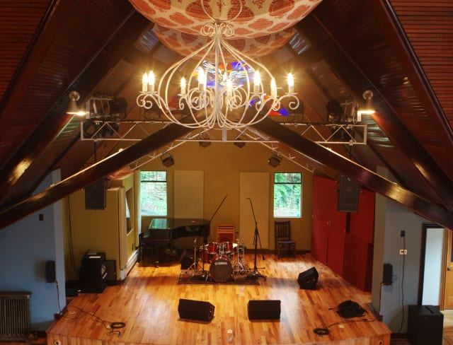 The performance space at The Purple Crayon.