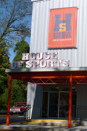 House of Sports owners are offering the town of Greenburgh $3.5 million for the seven-acre site on Dobbs Ferry Road.