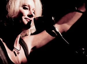 Country singer Shelby Lynne is to perform Friday in a sold-out show at the Emelin Theatre in Mamaroneck.