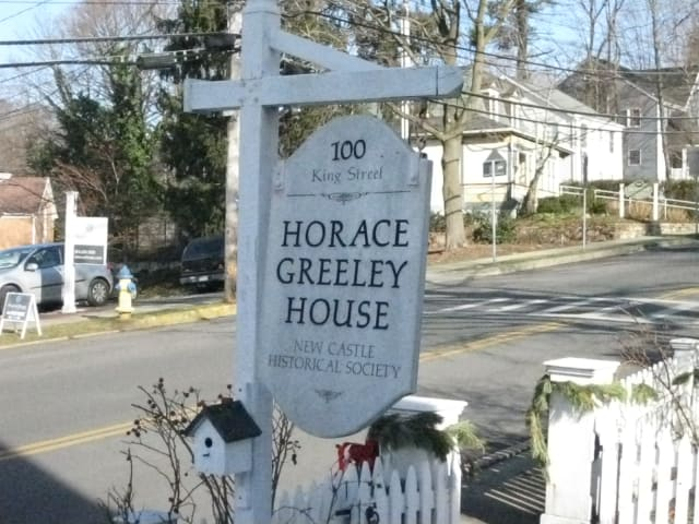 New Castle Town Historian Gray Williams notes that Chappaqua, as an unicorporated hamlet, has no legally defined borders.