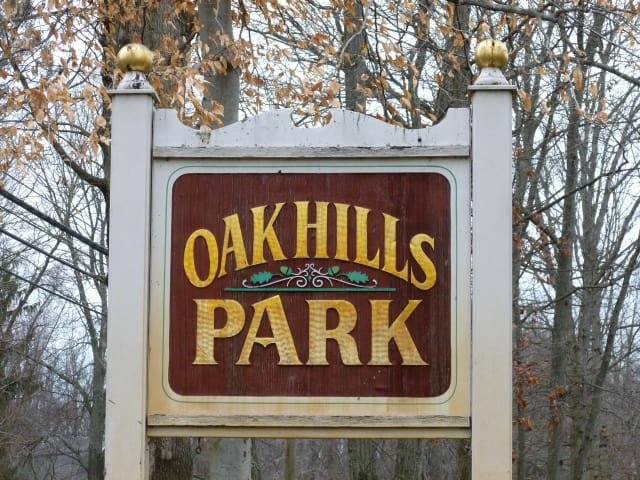 The Oak Hills Park Golf Course is considering building a driving range on its property.