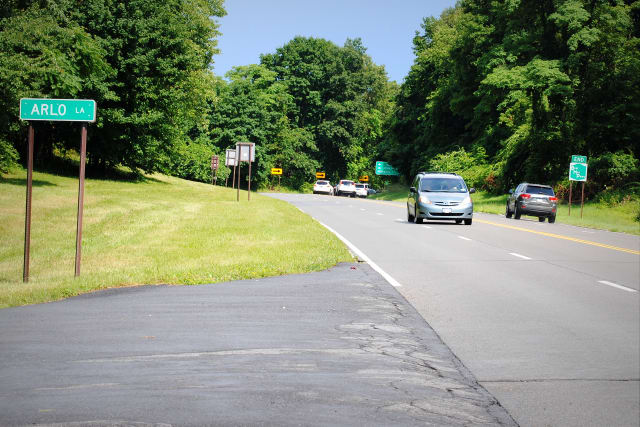The New York Transportation Department proposed a safety median for the Bear Mountain Parkway to prevent head-on collisions on the high-speed, winding highway.