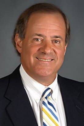 ESPN personality Chris Berman will be the commencement speaker at the Greenwich High School Class of 2013 graduation.