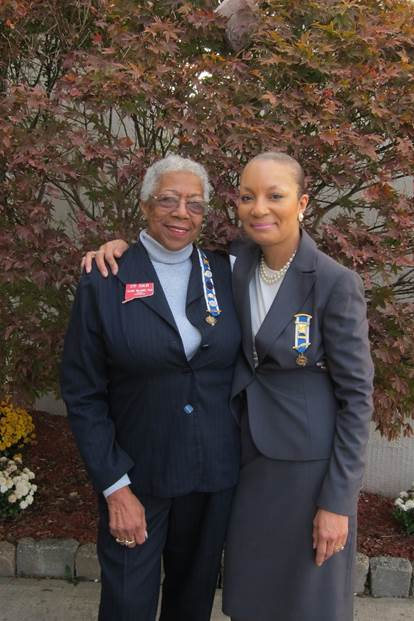 Autier Allen-Craft and Gloria Williams are the only two African-American members of the Daughters of the American Revolution in the state of Connecticut.