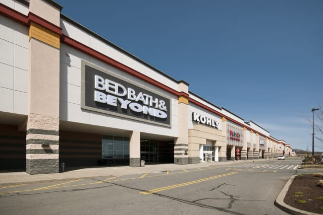 National Realty & Development Corporation, which built this shopping center in Middletown, N.Y., will receive an award from the March of Dimes New York Chapter.
