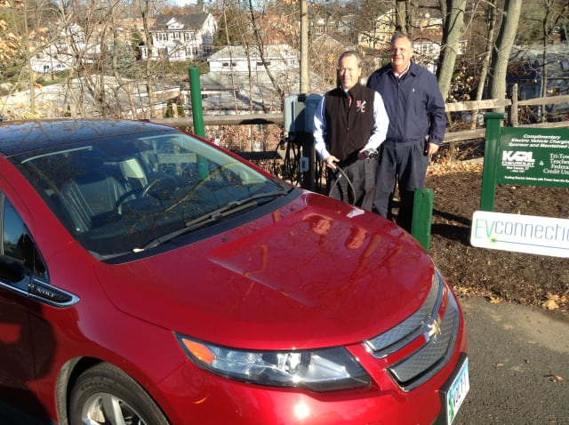 Westport has a new solar-powered electric vehicle charging station located at 61 Jesup Road.