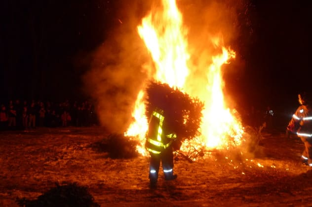 Emmanuel Episcopal Church in Weston will conduct a bonfire of Christmas trees on Jan. 5.