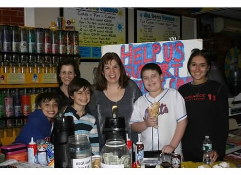Evan Greenberg will host the eighth annual cocoa fundraiser in Scarsdale in February.