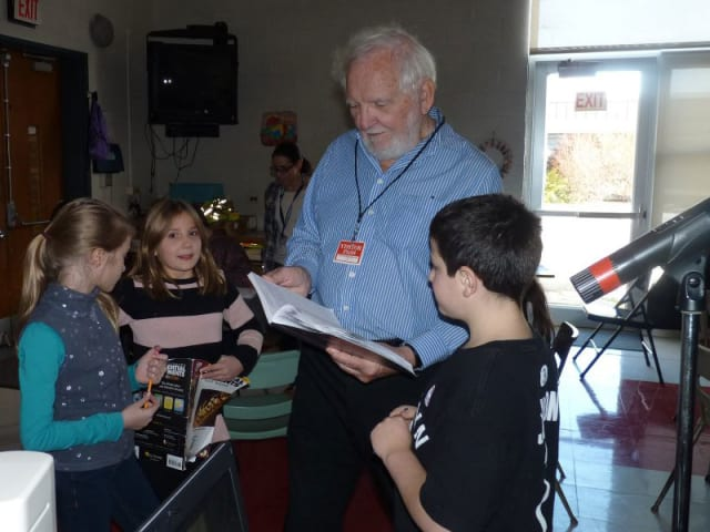 Laurence Pringle gives elementary school students suggestions to improve their writing.
