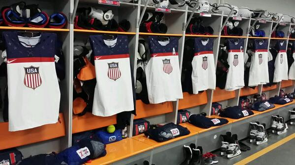 The United States men's hockey team defeated Czechoslovakia, 5-2, in the quarterfinals on Wednesday.