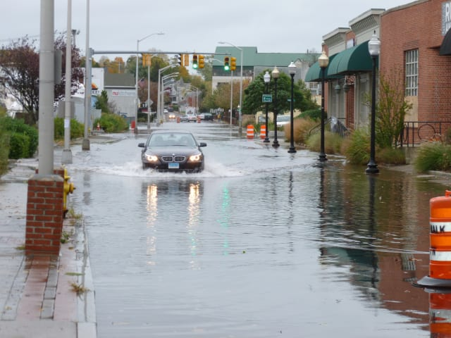 Urban flooding is possible with up to 4 inches of rain heading for Fairfield County.