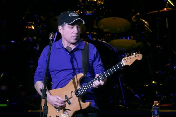 New Canaan singer-songwriters Paul Simon and his wife Edie Brickell have released a new duet.