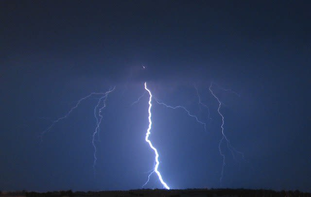 Fairfield County could see some thunderstorms overnight into Saturday morning.