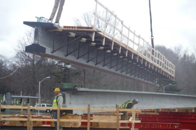 Two new bridges will be put into place along I-84 in Connecticut this weekend.