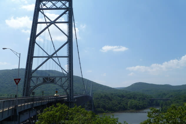 Authorities dispatched divers after finding a suicide note on the Bear Mountain Bridge. The woman, however, decided not to jump and was later found.