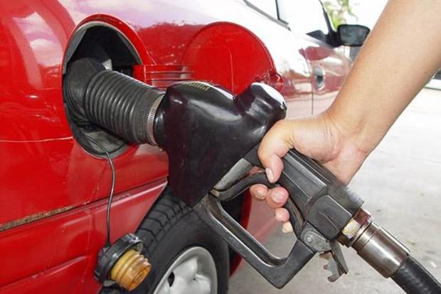 Gas prices in the New York area dropped significantly in the last month.