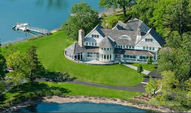 Douglas Elliman Real Estate recently closes its first sale in Connecticut, a $9 million estate in Old Greenwich.